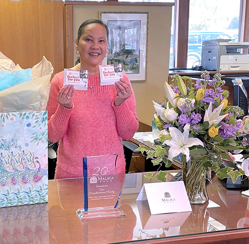 Dee Bailey celebrating her 20th anniversary with Malaga Bank